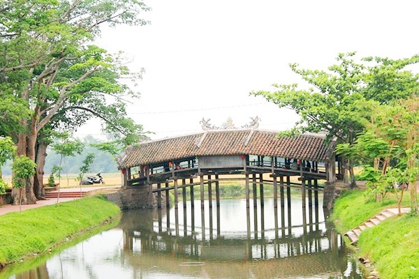Thanh Toan Covered Bridge